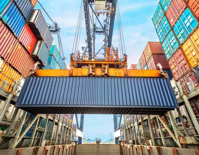 container-ship loading