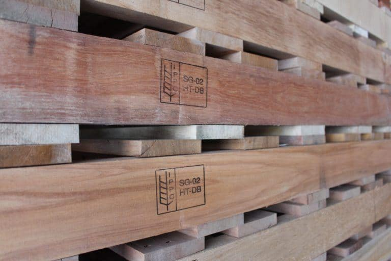 Example of ISPM-15 certified timber pallets