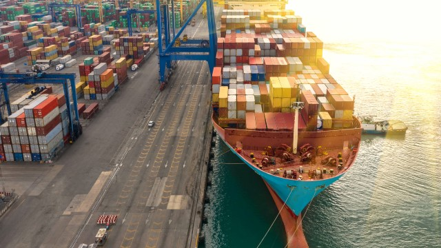shipping container trade